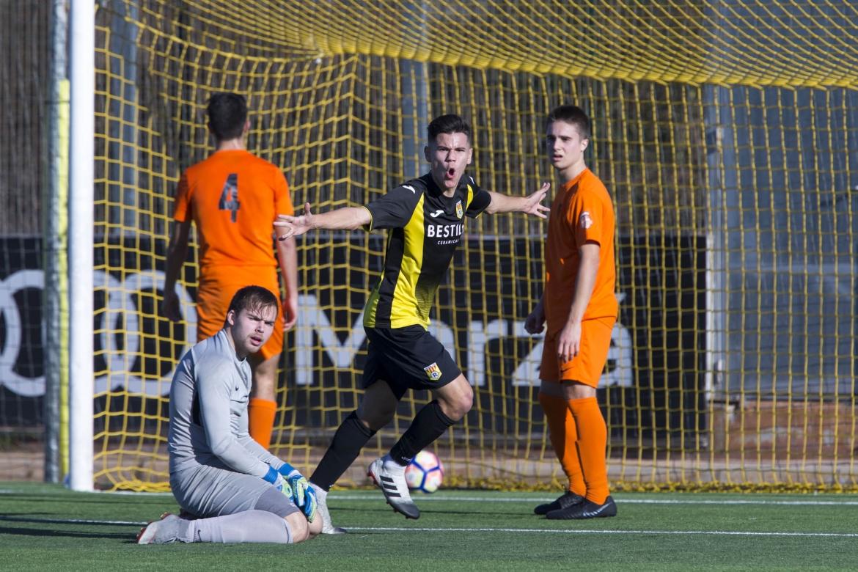 Derroche de fútbol en la victoria del Juvenil A